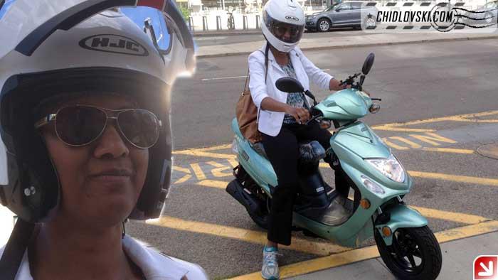 lady-biker